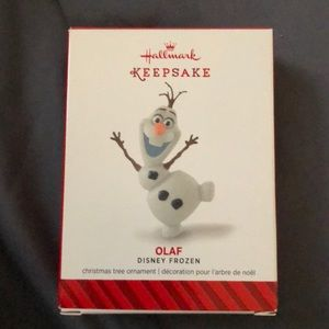 NWT Frozen Olaf Ornament